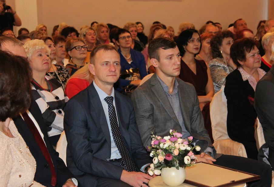 День матери поздравление главы администрации с Поздравление Главы Черниговского района В.Н. Семкина